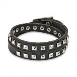 Černý kožený náramek - okovaný, lesklé pyramidy stříbrné barvy SP29.31