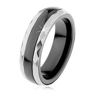 Keramický prsten černé barvy, broušené ocelové pásy ve stříbrném odstínu - Velikost: 62