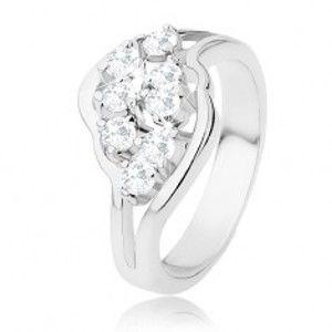 Lesklý prsten stříbrné barvy, rozdělená ramena, čiré blýskavé zirkony R31.16