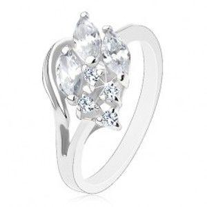Blýskavý prsten ve stříbrném odstínu, čiré broušené zirkony, obrys poloviny srdce AC12.07