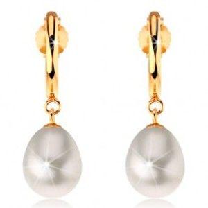 Náušnice ve žlutém 14K zlatě - úzký lesklý oblouk, bílá perlová kapka GG188.32