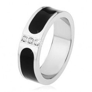 Ocelový prsten, stříbrná barva, černý glazovaný pás, tři čiré zirkony S71.18