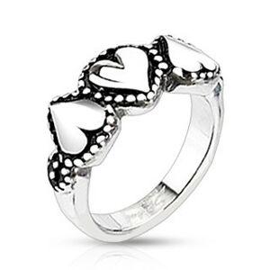 Ocelový prsten se srdíčky - tečkované okraje, patinovaný - Velikost: 54