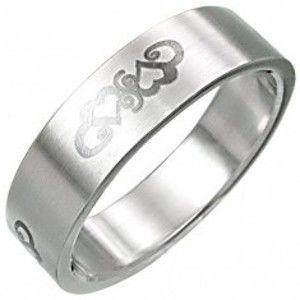 Ocelový prsten se srdíčkovým ornamentnem D4.17