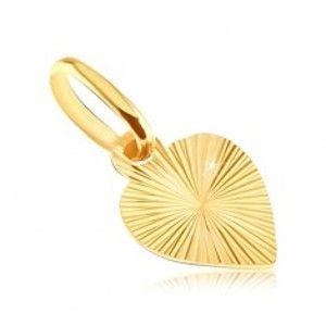 Plochý přívěsek ze zlata 14K - plné srdce s gravírovanými paprsky GG05.08