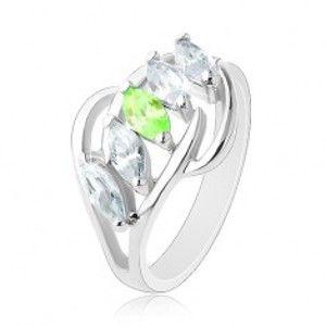 Prsten s rozdělenými rameny, lesklé obloučky, pás zrnek čiré a zelené barvy R41.26