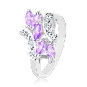 Prsten ve stříbrné barvě, světle fialová zirkonová zrnka, čiré zirkonky R32.23