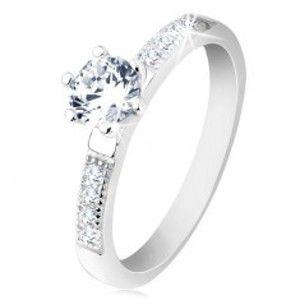 Prsten ze stříbra 925, zirkony ve čtverečcích, kulatý čirý zirkon v kotlíku S62.07
