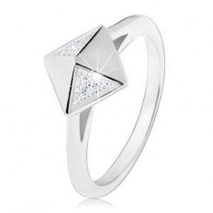 Rhodiovaný stříbrný prsten 925, lesklá pyramida zdobená čirými zirkonky V11.04