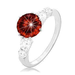 Stříbrný prsten 925, kulatý červený zirkon a čiré zirkony na ramenech - Velikost: 54