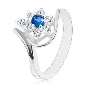 Třpytivý prsten ve stříbrném odstínu, tmavomodrý zirkon, čiré lupínky G07.08