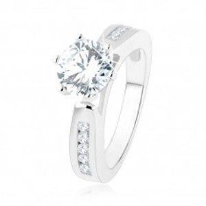 Zásnubní prsten, zdobená ramena, kulatý čirý zirkon, výřezy, stříbro 925 SP47.27