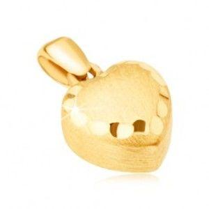 Zlatý přívěsek 585 - pravidelné 3D srdce, saténový povrch, ozdobné rýhy GG14.04